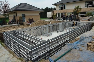 This EVM tutorial for Microsoft Project features the construction of a swimming pool as an example